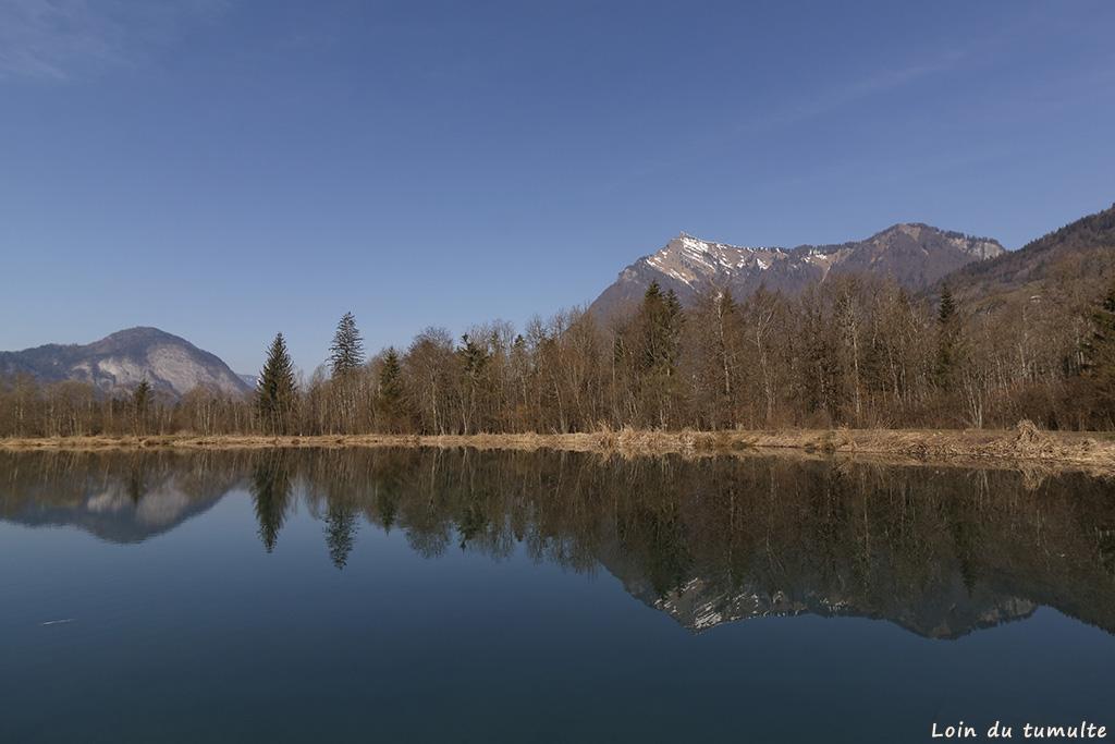 Balade familiale autour du lac de Vernays avec vue sur le Marcelly