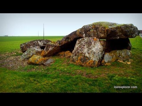 Le plus grand dolmen de l'Indre: La Pierre levée à Liniez