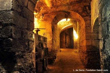 monuments et châteaux de la Loire ouverts toute l'année souterrain château d'Amboise