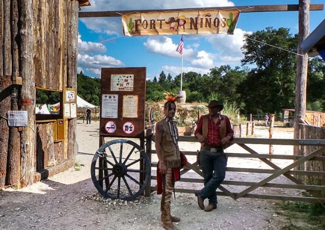 Parc à jeux Fort Niños à l'Alméria Parc, parc de loisirs équestres familial et insolite en Sologne - crédit photo ©Alméria Parc