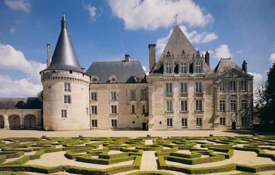 Château d'Azay le Ferron châteaux qui se visitent région centre jardin parc