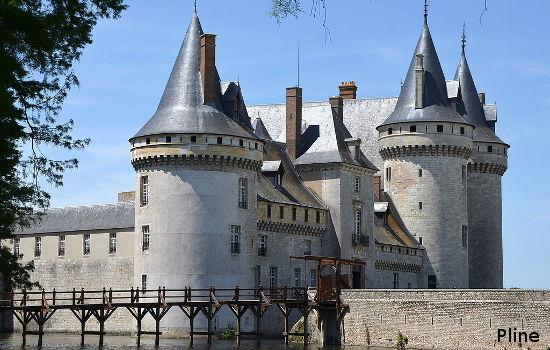 Château de Sully sur Loire châteaux qui se visitent région centre jardin parc
