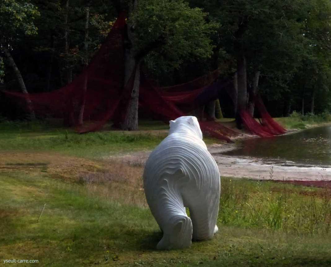 La 5e Biennale de Sologne ou quand les doutes deviennent forme et sculpture monumentale - Le JARDIN de SCULPTURES