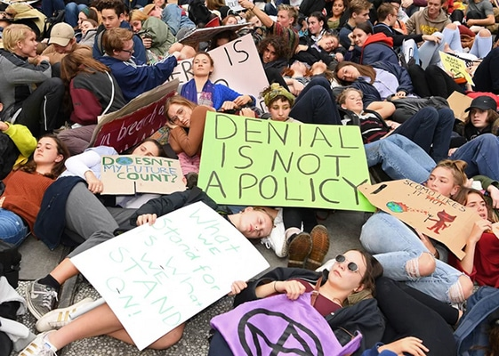 Students from 1,600 Cities Protest Climate Change