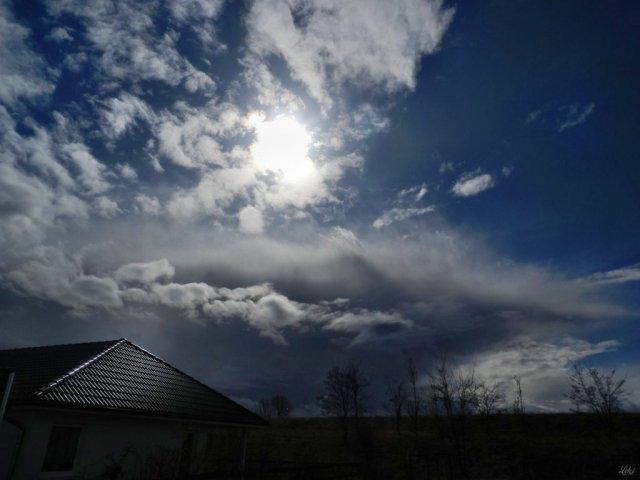 Wolkensonne