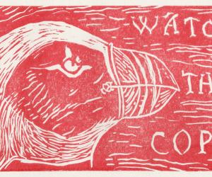 Linogravure rouge représentant une tête de macareux moine avec le texte watch the police