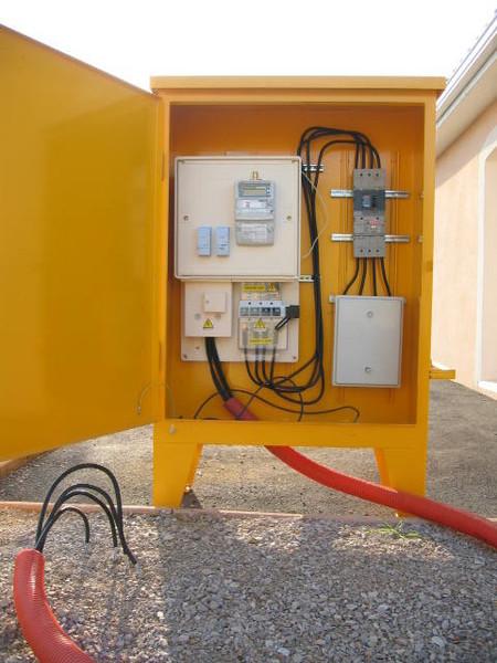 installation electrique provisoire de chantier loknes. Black Bedroom Furniture Sets. Home Design Ideas