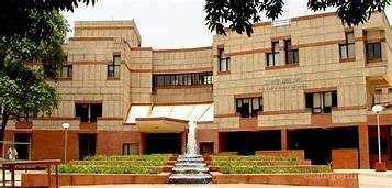 Coronavirus Peak in India: IIT कानपुर प्रफेसर का दावा... 20 मई के बाद कोरोना का ग्राफ गिरेगा... जानिए किन शहरों में संक्रमण कब होगा पीक पर