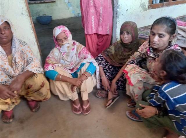 Singhu border lynching victim cremated in Tarn Taran amid tight security