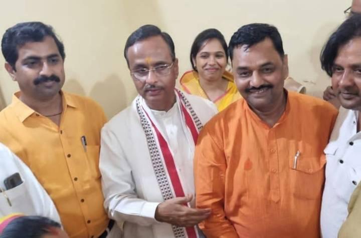 Hamirpur News: डेप्युटी सीएम की मौजूदगी में BJP में एंट्री, लाखों फंड लूट मामले में नपा परिषद के चेयरमैन को मिला कार्रवाई का नोटिस