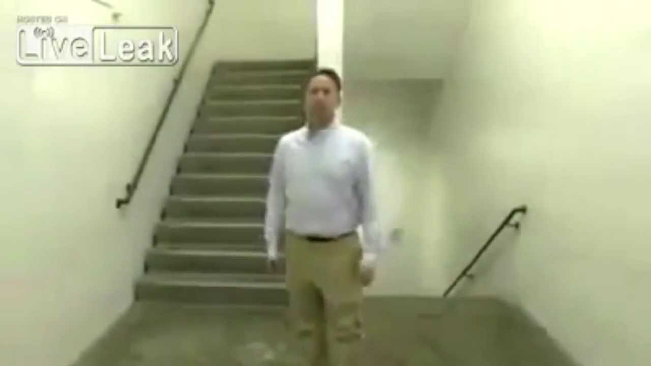 A ilusão das escadas que te vai dar um nó cego na cabeça!
