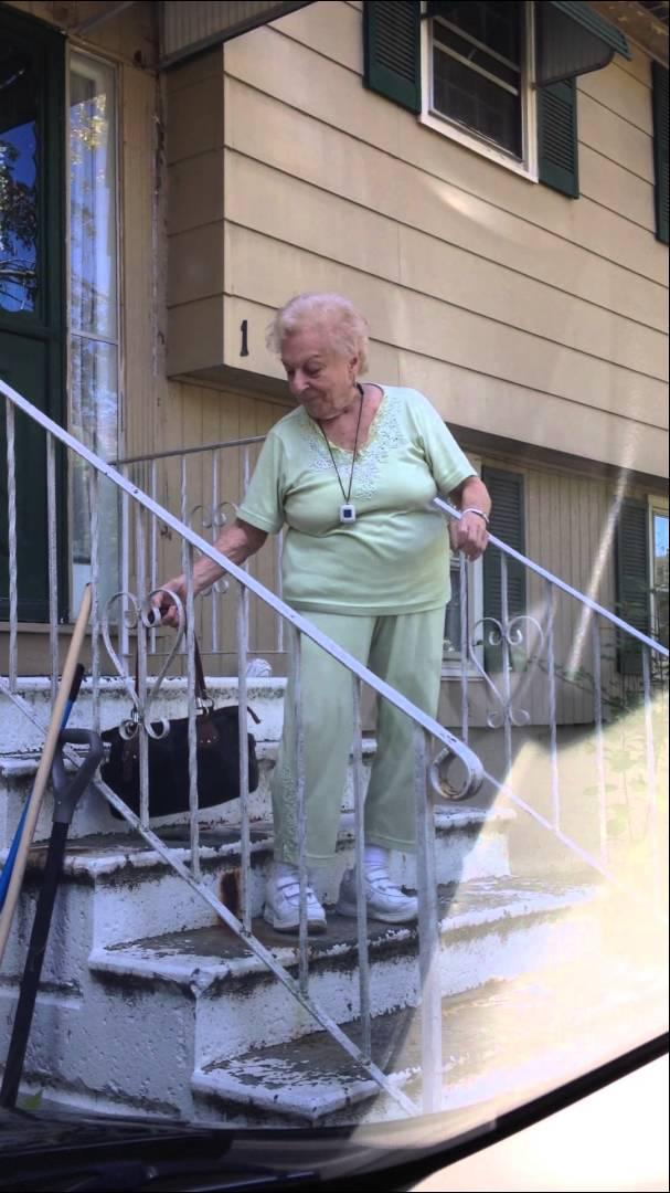 Avó de 88 anos a curtir milhões