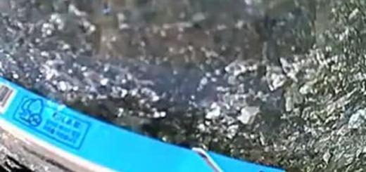 Coreana falha exame de condução ao capotar o carro