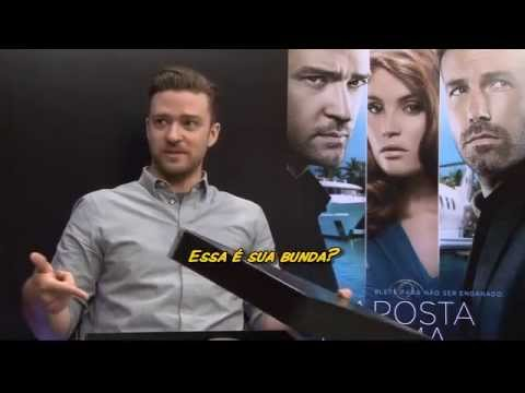 Brasileira Sabrina Sato tenta entrevistar Justin Timberlake