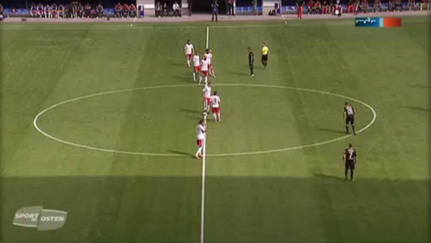 Equipa alemã marca golo aos 7 segundos com táctica 2-0-8