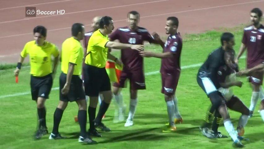 Árbitro dá porrada a jogadores no Kuwait