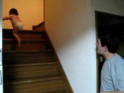 Pai e filha discutem na hora de dormir