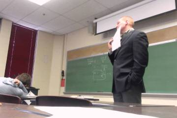 Partida genial a um professor no dia das mentiras