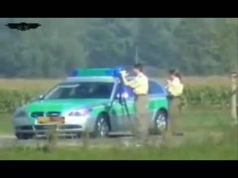 Reacção dos polícias que estavam com um radar