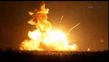Foguetão Antares explode