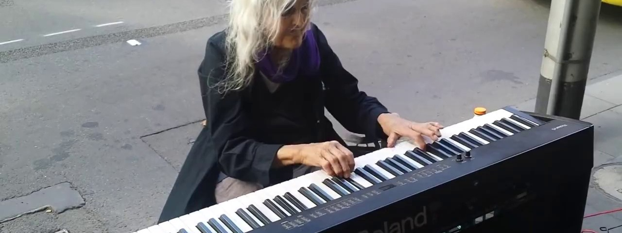 Mais um grande talento encontrado na rua