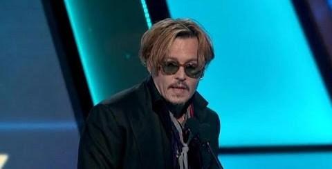 Johnny Depp completamente bebado