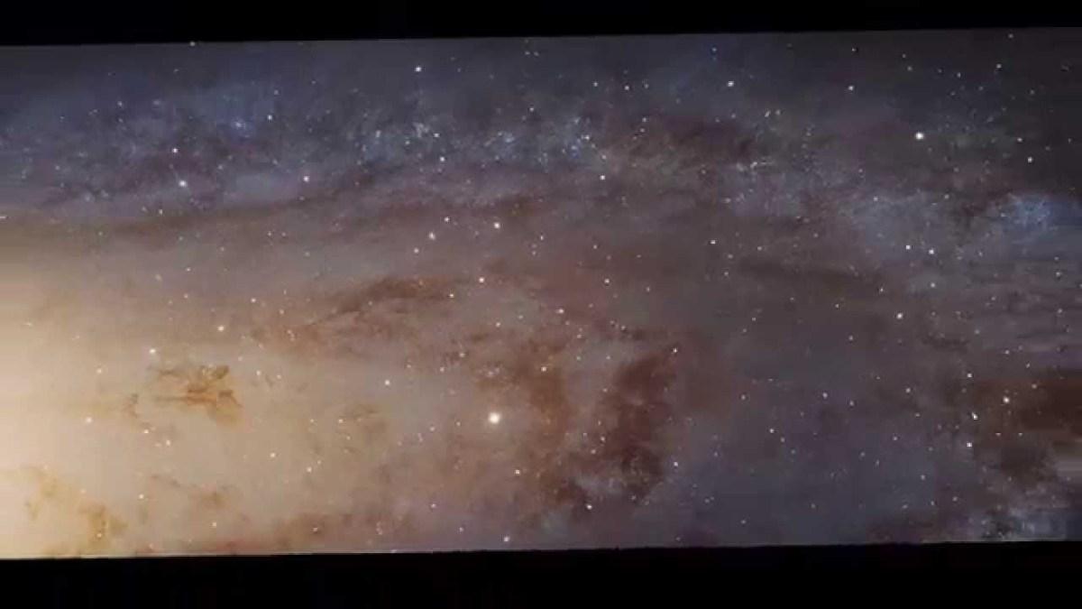 NASA revela imagem da galáxia Andromeda
