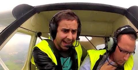 Piloto desmaia durante o voo