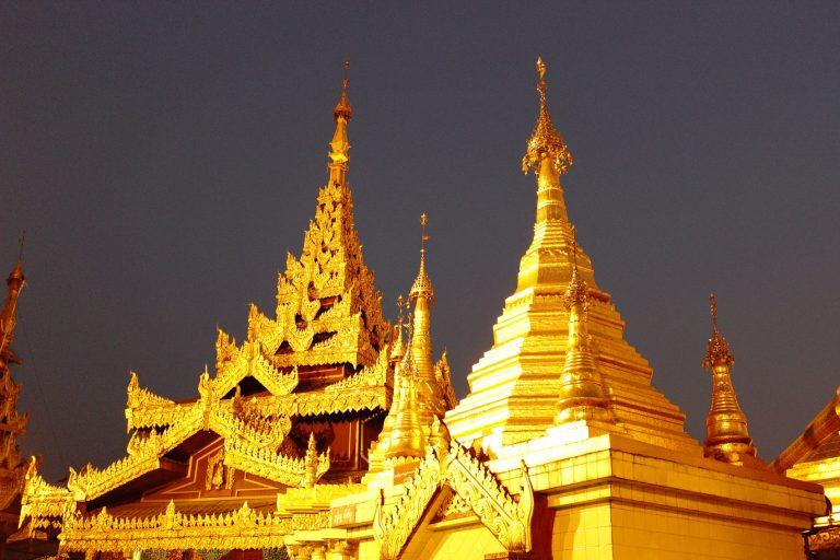 Myanmar - Schwedagon Pagoda at night