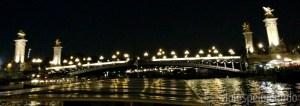 Passeio de barco pelo Sena