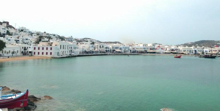 Vista de Mykonos a partir do Porto Novo
