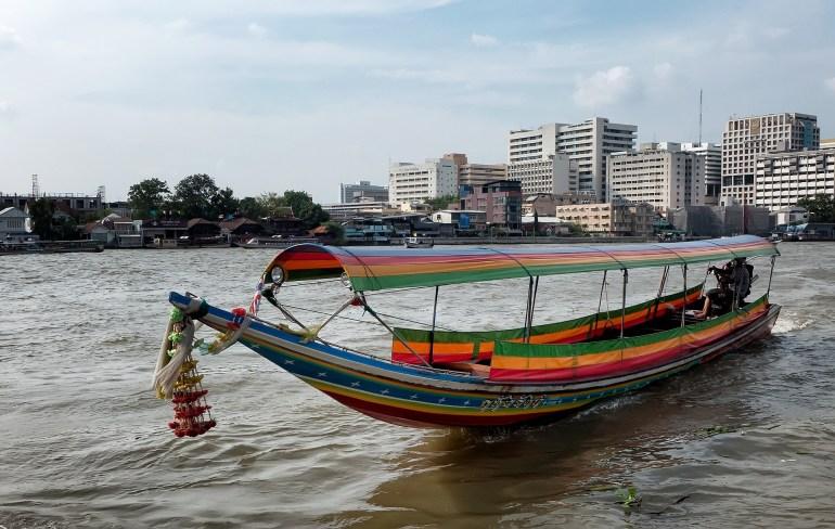 Como circular em Bangkok - Long Tail Boats