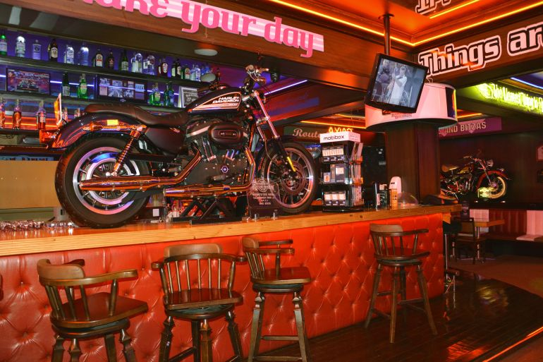 Harley Motor Show - Moto no balcão