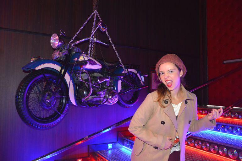 Harley Motor Show - Pendurada nas correntes