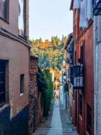 Granada Alleys are NARROW
