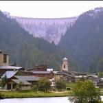 Tignes Brévières med dæmningen i baggrunden