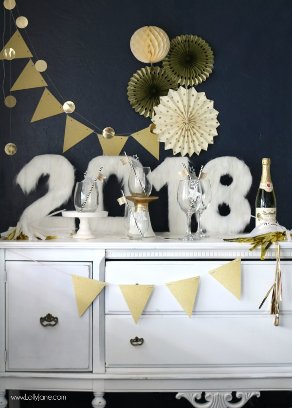 Easy peasy DIY Fur Numbers... perfect to spruce up your New Years Eve party!