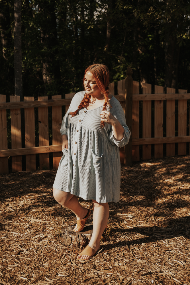 curvy plus size blogger lolo_russell wearing chic soul waffle knit swing dress in dusty mint