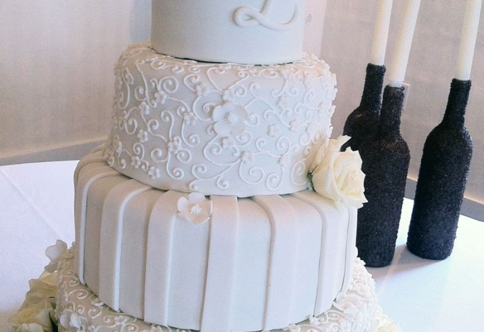 Lexi White On White Rose Wedding Cake Destin Fl Lolos Cakes Sweets