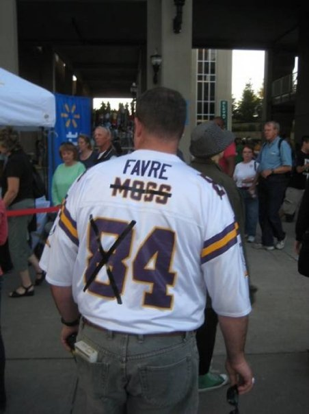 san francisco af2b6 58d21 Get a Vikings Brett Favre Jersey On The Cheap - DIY
