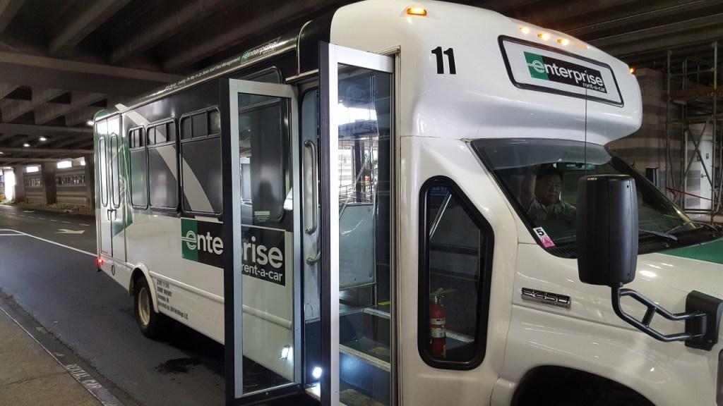 エンタープライズレンタカーのシャトルバス
