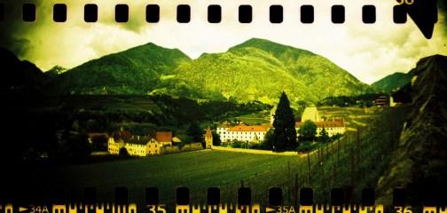 Blick auf das Kloster Neustift
