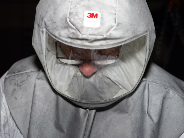 Worker at Bombardier the train manufacture Derby. © Mark Power Magnum Photos.