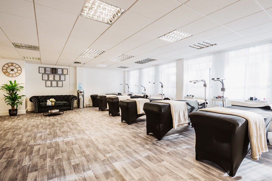 London Lash in Manchester offering eyelash extension