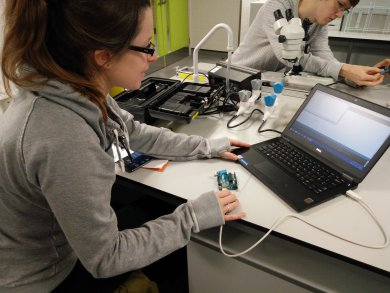 Playing with arduino microcontrollers at Kings College London. Image by Ben Taylor.