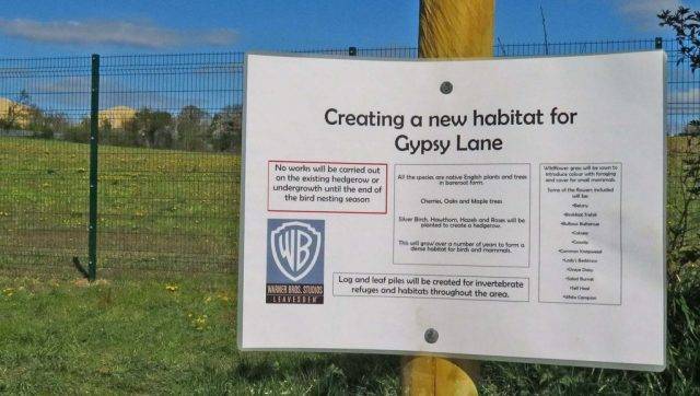 fence, sign, warner bros. wildlife, conservation, construction, uk
