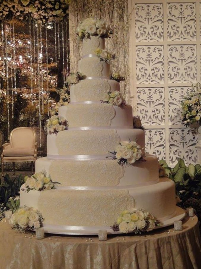 7 tiers Wedding Cake by LeNovelle Cake | Bridestory.com