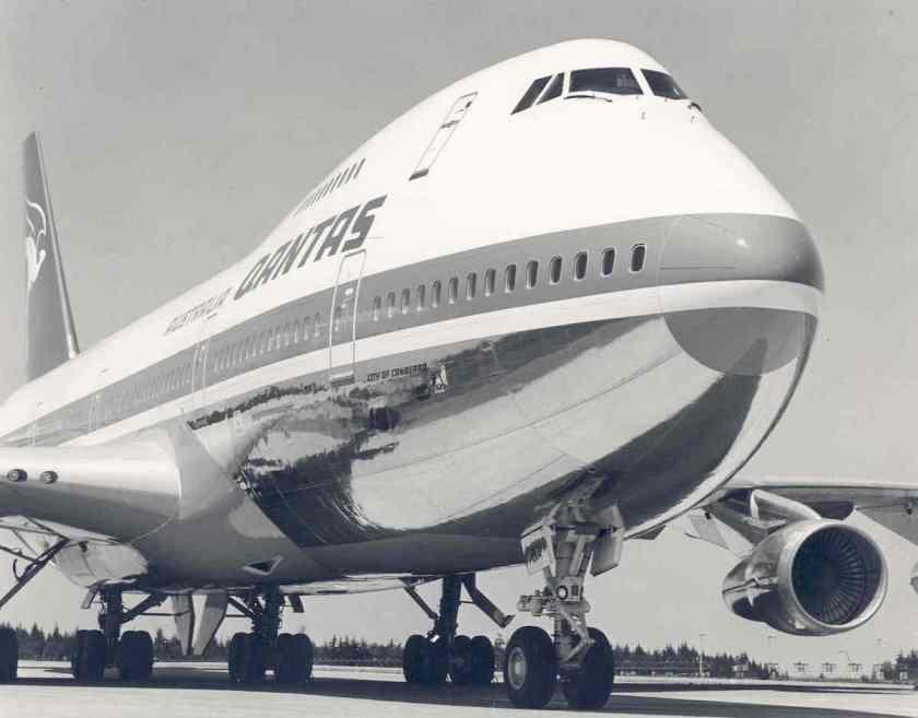 Qantas Boeing 747-238B
