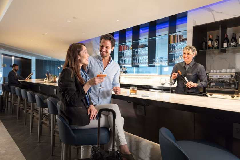 United Polaris Lounge Bar Newark Liberty International Airport (Image Credit: United Airlines)