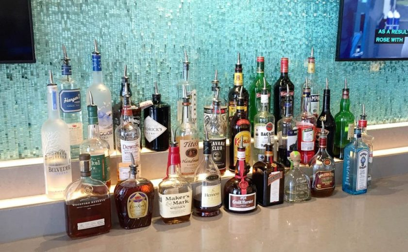 American Airlines Flagship Lounge, Miami, Bar